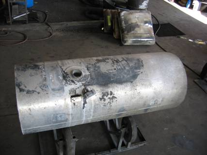 We Repair 18-wheeler over-the-road trucks aluminum tanks and hydraulic tanks